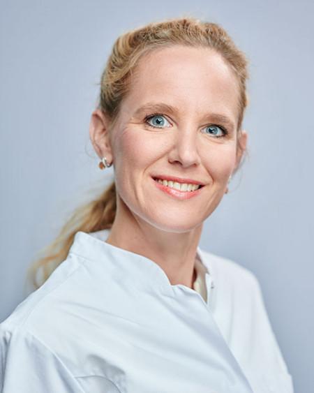 Dr. van der Voort